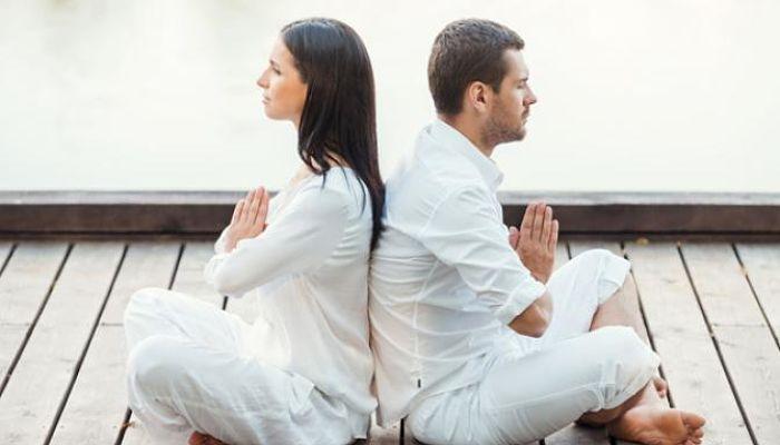 Posturas-de-yoga-en-pareja