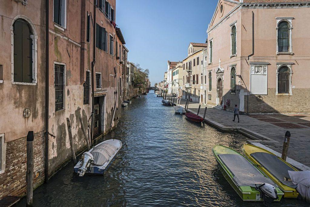 Rio_Madonna_dell'Orto_(Venice)_East_exposure